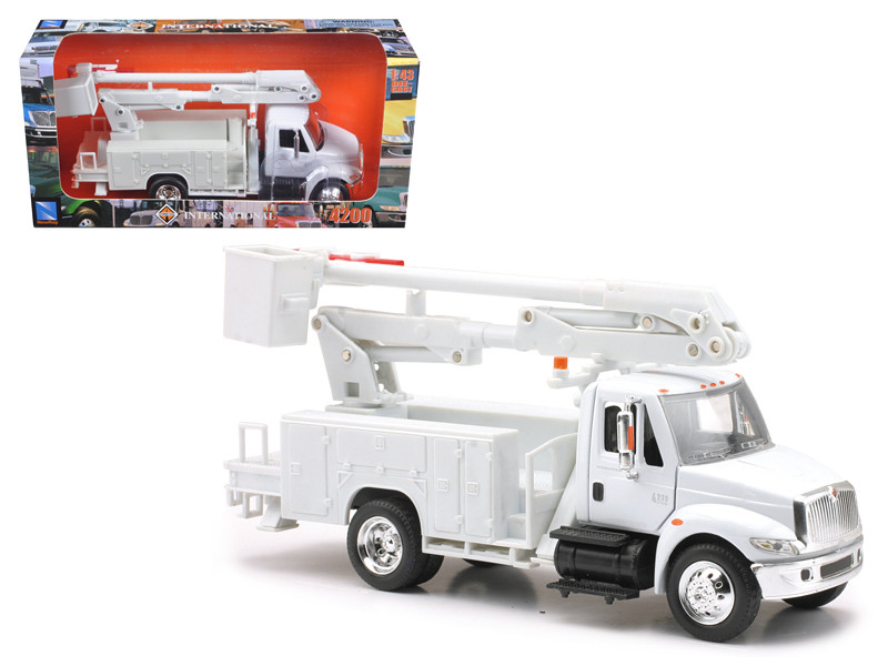 International 4200 Line Maintenance Truck 1/43 Model New Ray 15913