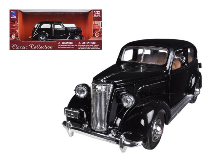 1937 Chevrolet Master Deluxe Town Sedan Black 1/32 Diecast Model Car by New Ray