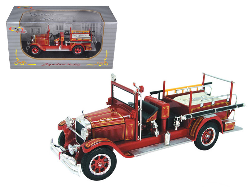 1928 Studebaker Fire Engine 1/32 Diecast Model Car Signature Models 32347