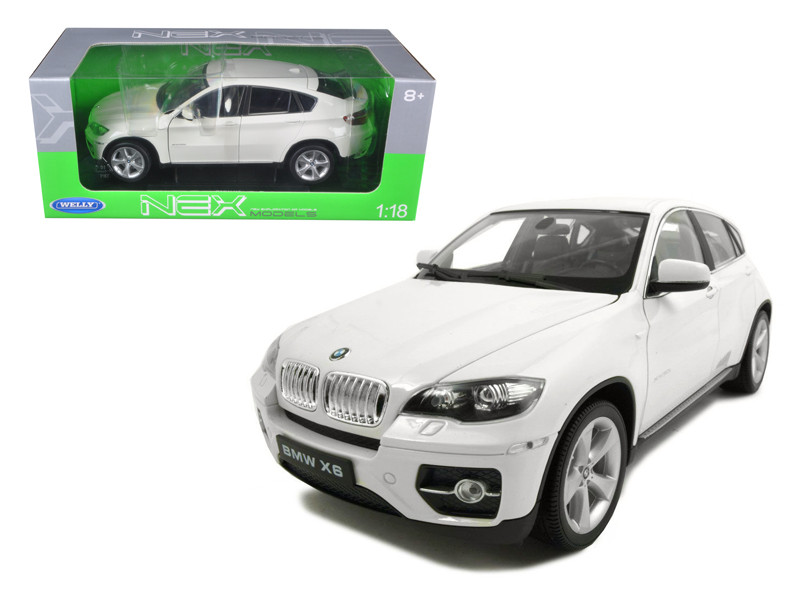 2011 2012 BMW X6 White 1/18 Diecast Car Welly 18031