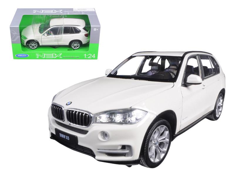 BMW X5 xDrive 5.0i White 1/24 Diecast Model Car Welly 24052