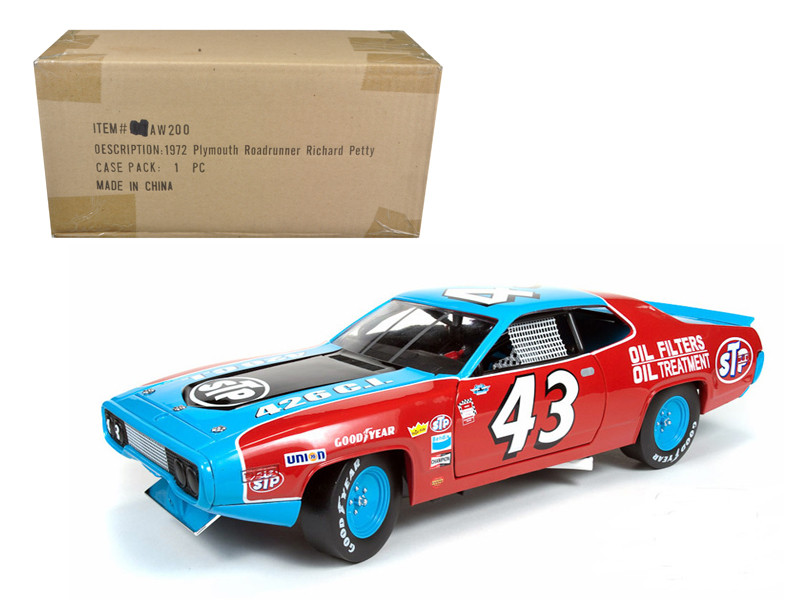 "1972 Plymouth Road Runner #43 Richard Petty ""STP"" 1/18 Diecast Model Car Autoworld AW200"