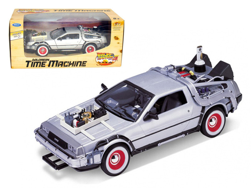 "Delorean From Movie \Back To The Future 3"" 1/24 Diecast Car by Welly"""""""