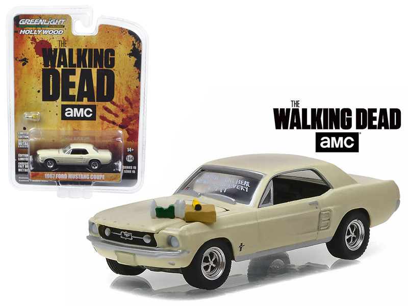 1967 Ford Mustang Coupe Sophia Message Car with Accessories The Walking Dead 2010 Current TV Series 1/64 Diecast Model Car Greenlight 44750 E