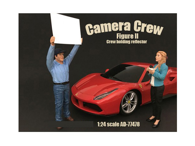 Camera Crew Figure II Crew Holding Reflector For 1:24 Scale Models American Diorama 77478
