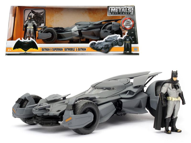 Batman V Superman Batmobile with diecast Batman Figure 1/24 Diecast Model Car by Jada