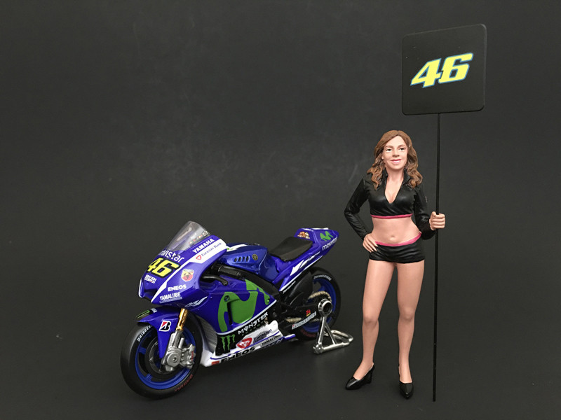 Paddock Girl Figure For 1:18 Scale Models American Diorama 77437