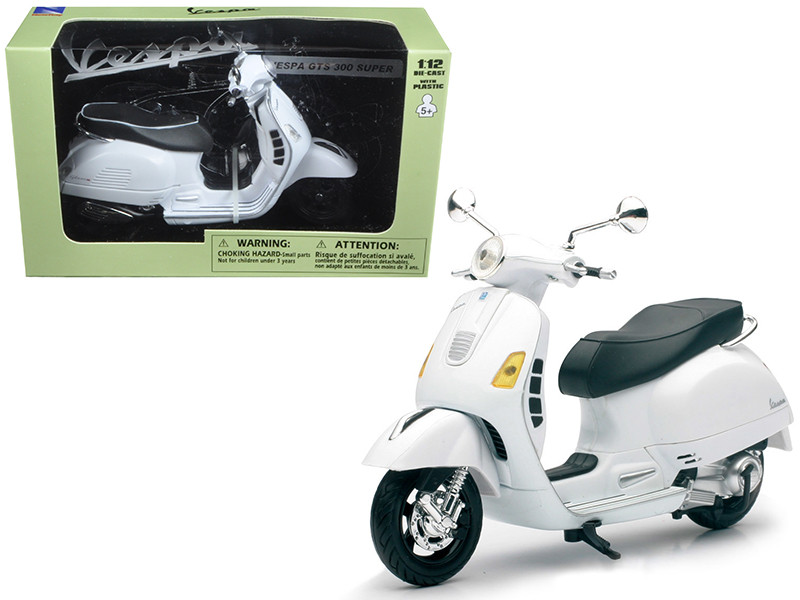 Vespa GTS 300 Super White Motorcycle 1/12 New Ray 57243 B