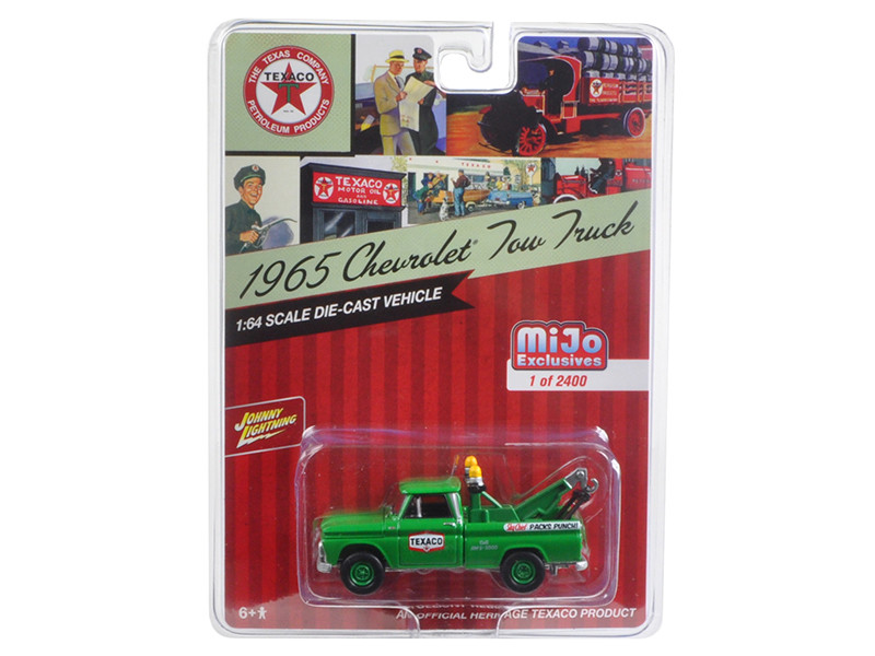 1965 Chevrolet Tow Truck Texaco Green 1/64 Diecast Model Car Johnny Lightning JLCP7014