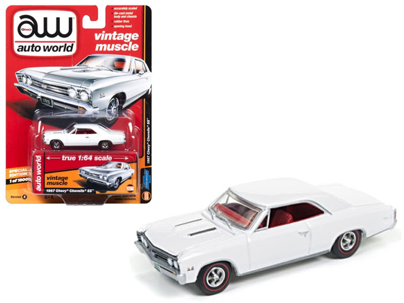 1967 Chevrolet Chevelle SS Gloss White Vintage Muscle 1/64 Diecast Model Car Autoworld 64132 B