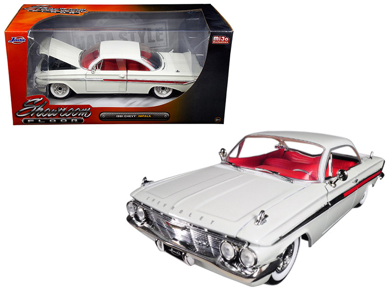 1961 Chevrolet Impala White Showroom Floor 1/24 Diecast Model Car Jada 98905