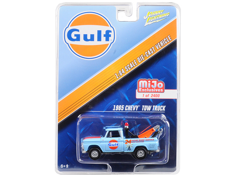 1965 Chevrolet Tow Truck Gulf Limited Edition to 3600 pieces Worldwide 1/64 Diecast Model Car Johnny Lightning JLCP7038
