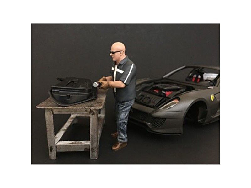 Chop Shop Mr. Fabricator Figure for 1:18 Scale Models American Diorama 38160
