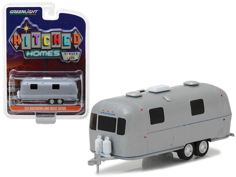 1971 Airstream Land Yacht Safari Travel Trailer Silver Blue Stripes Hitched Homes Series 4 1/64 Diecast Model Greenlight 34040 B