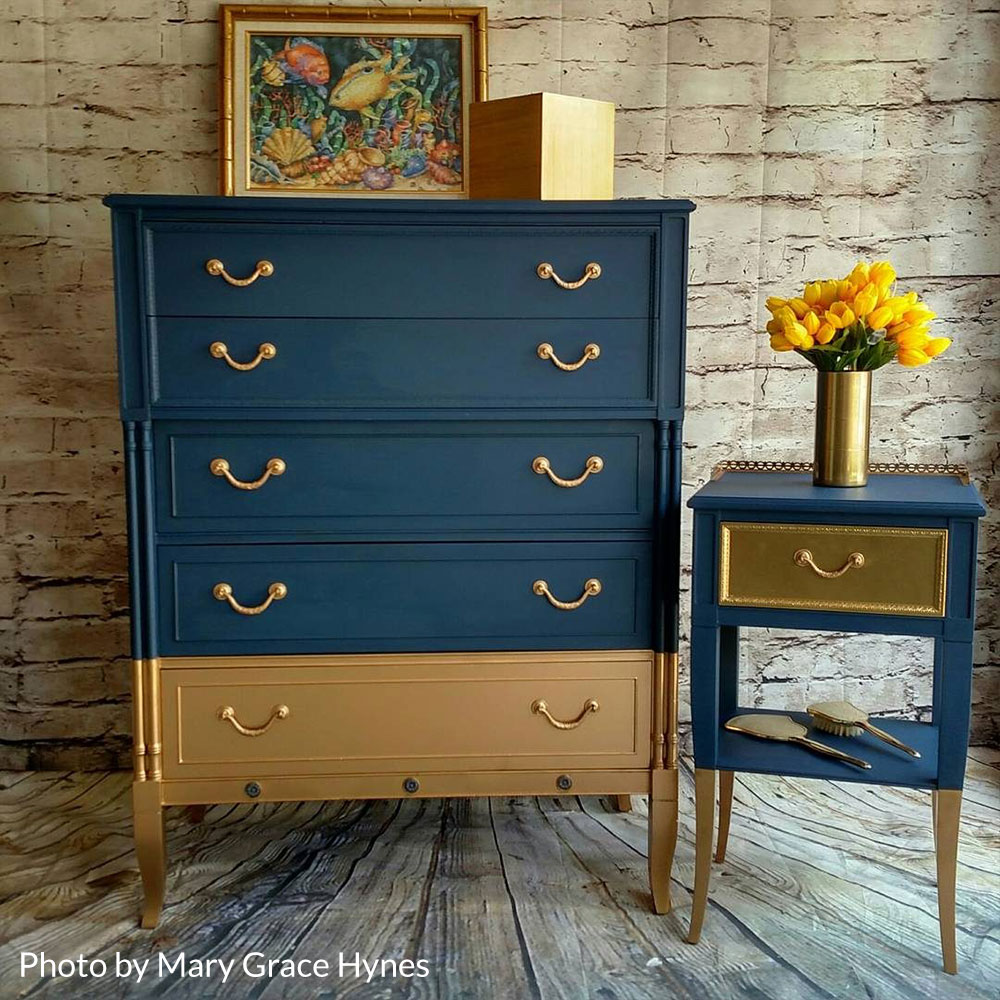 how to chalk paint - distress