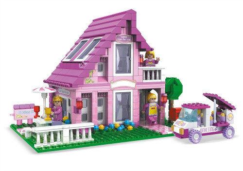 Brictek 576 Piece Block House with Vehicle & Family Figures
