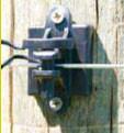 Economy Dual Purpose Wood and T Post Pinlock Insulator