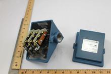 """United Electric J403-451 0-80""""Wc Pressure Switch"""