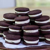 Cocoa & Cream Cookies