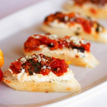 Roasted Yellow Pepper Bruschetta - 42 pieces per tray