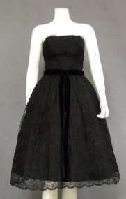 Beautiful Black Lace 1950's Cocktail Dress w/ Scalloped Hem