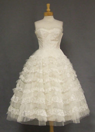 Ivory Lace & Tulle Strapless 1950's Prom Dress 1