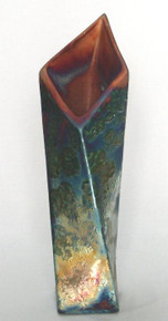 045 - Twisting Vase