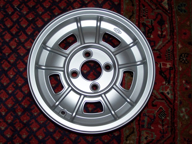 Bmw 2002 Alloy Wheel 5 X 13 Rogerstii