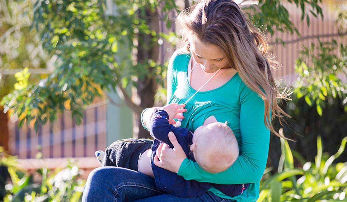 The Best Breastfeeding and Maternity Top for new mums.... Hello Britney!