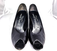 AUTHENTIC CHARLES JOURDAN Black Leather Peep Toe Pump Heel Size 7.5