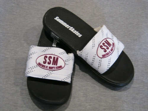 SummerSkates sandals made with real hockey laces are the perfect complement of comfort, performance, value, and sports fashion.  Designed for all-terrain use indoors or outdoors. Machine wash, air dry.  Choose SSM or Hockey logo.  Adult (men's) sizes only Small 4.5 - 5.5,  Medium 6 - 7.5, Large 8 - 9.5, Xlarge 10 - 12.5