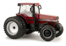 1:32 CIH Magnum 7250 Prestige Tractor With FWA, Cab, and Duals