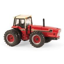 1:64 International 3588 2+2 2016 NFTM 4WD Tractor