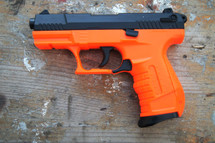 WELL P66 Spring Pistol Walther p22 replica in orange