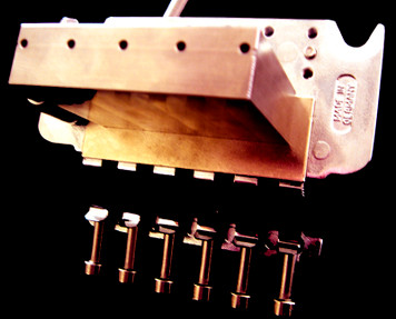 """<div id=""""productDescription"""" class=""""productGeneral biggerText""""><span>32mm Replacement Sustain Block for Floyd Rose Tremolo unit is made from the highest grade of bell brass.<br /><br />Mass = Sustain!</span></div> <ul id=""""productDetailsList"""" class=""""floatingBox back""""> <li>Model: BSB004</li> <li>Manufactured by: FU-TONE.com</li> </ul>"""