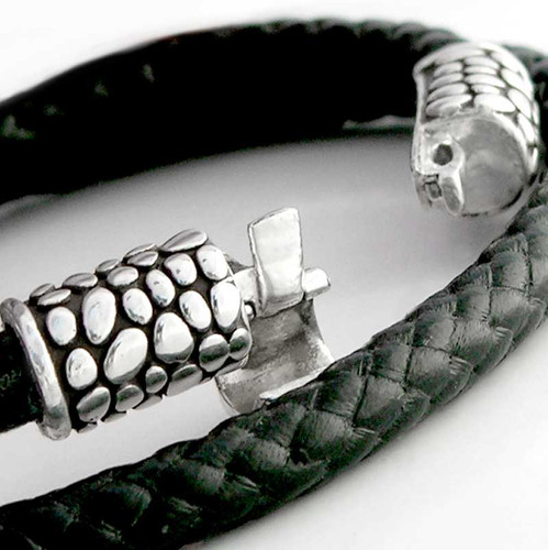 Detail of Pebble Clasp Bracelet by Lisa Greene for FineARF