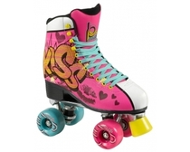 A classic roller skate design with a high-cut PU suede shoes and figure skate outsole for maximum stability. The EVA foam padding and Aircraft grade aluminum trucks with steel kingpins provide comfort, stability and reassuring life of the roller skate. Wheels 62x38mm 80A duro