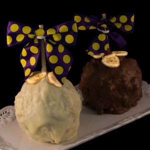 Banana Cream Pie Caramel Apple by DeBrito Chocolate Factory