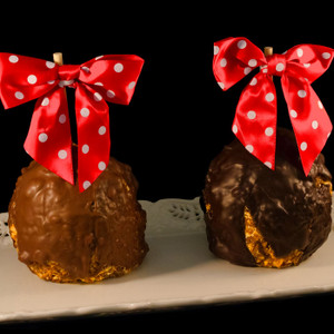 Snickers Wrapple Caramel Apple from DeBrito Chocolate Factory