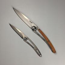 15 g Naked (left)/27 g Juniper (right)