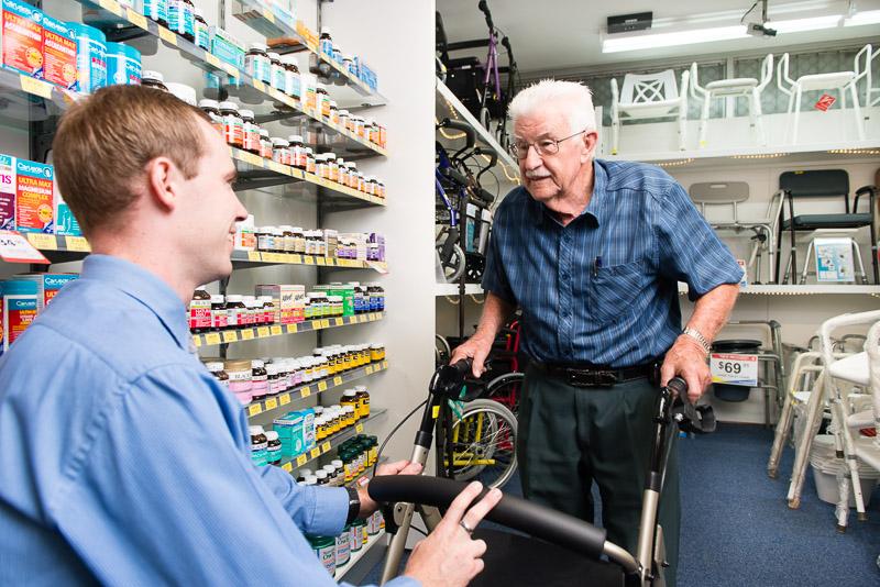 super-pharmacy-plus-031-rollator.jpg
