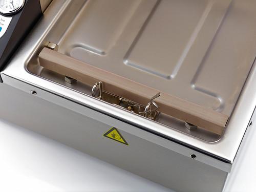 VacMaster VP120 sealing machine uses sous vide bags