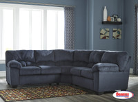 95402 Dailey Midnight Sectional Living Room