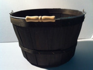 One Peck Basket Black w/Handle