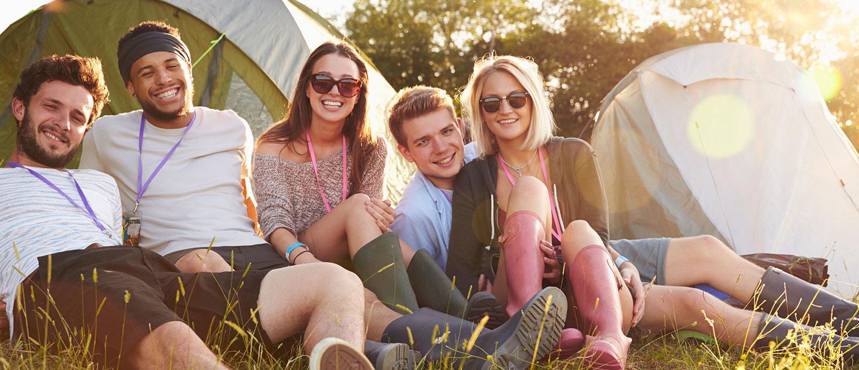 Resultado de imagen para camping summer friends