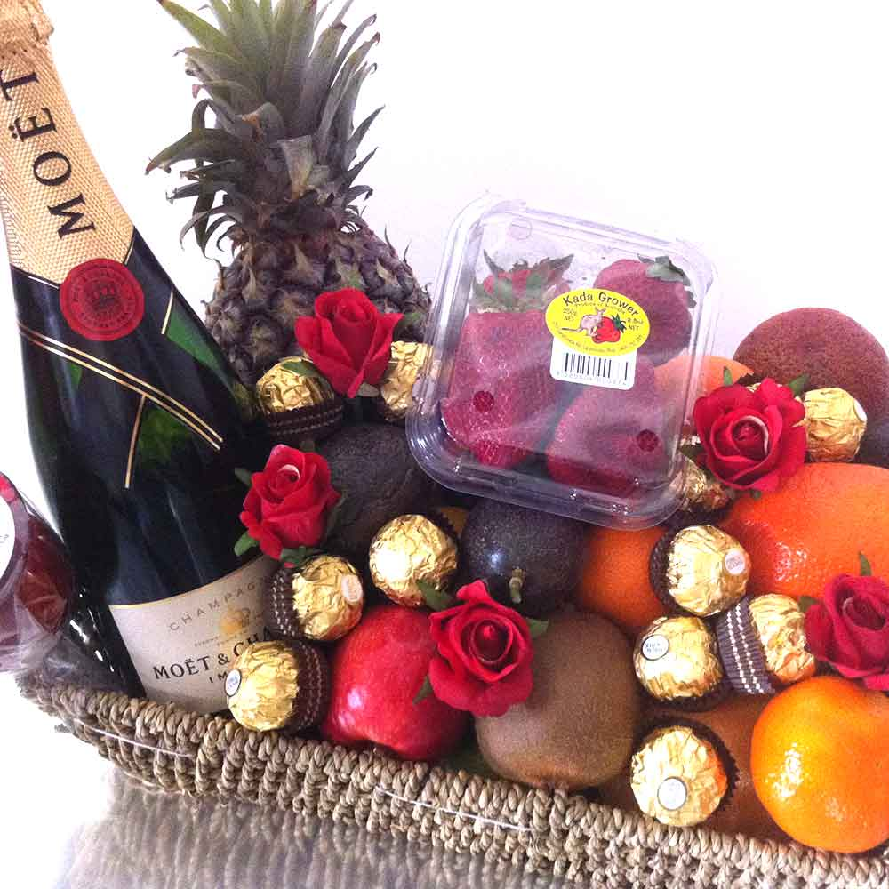 Fruit And Chocolate Gift Boxes : Win a champagne chocolate fruit hamper igift pty ltd