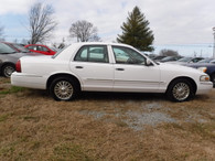 2006 Mercury Grand Marquis LS Sharp Loaded Luxury Car - Holds to the Road Like a Glove!!