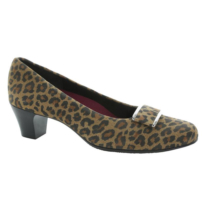 Munro Women's Mara - Leopard Fabric