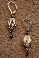 Thai Feuille ovals drop earrings