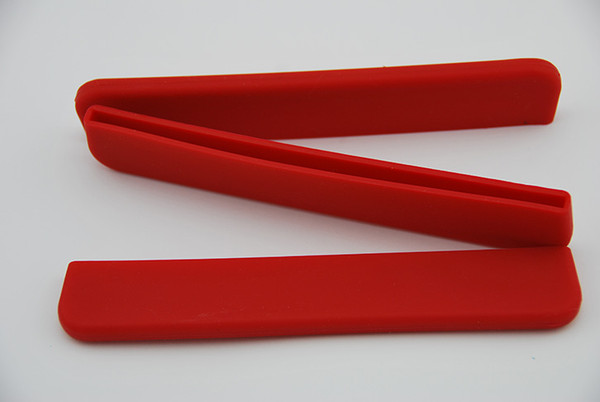 Red removable silicon paddle blade tip protector. Durable and lightweight. Protects the blade edge from damage when paddle not in use.